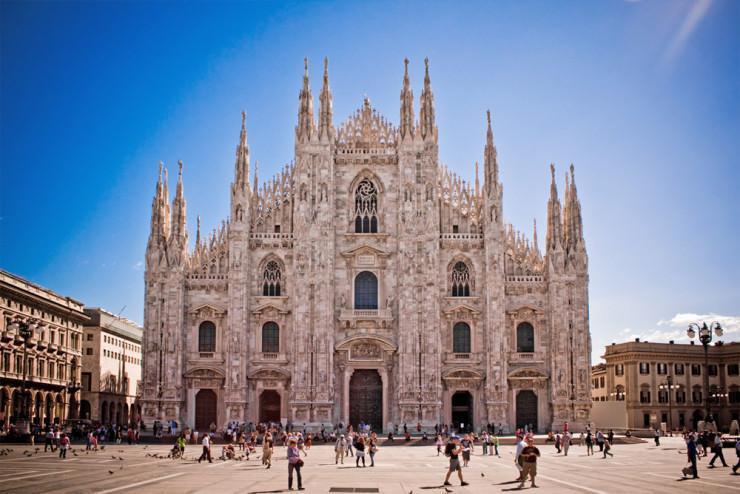 کلیسای کاتولیک میلان جواهر معماری گوتیک در ایتالیا