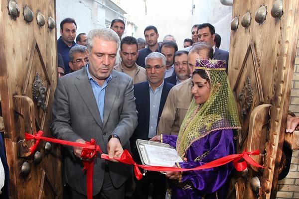 مونسان سرای همایونی شیراز را افتتاح کرد