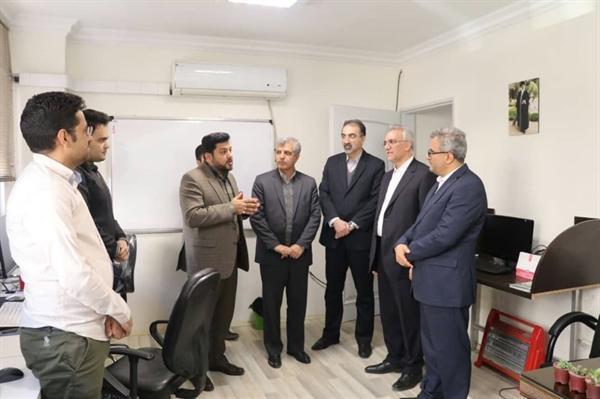 بازدید معاون گردشگری از مرکز رزرواسیون اقامت 24 در مشهر