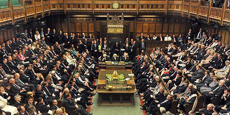 جارو جنجال نخست وزیر انگلیس و مخالفان در مجلس این کشور