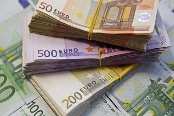 کاهش نرخ یورو و پوند ، دلار 4246 تومان شد