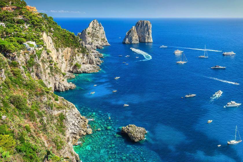 تماشا کنید؛ جزیره کاپری در ایتالیا از منظری متفاوت
