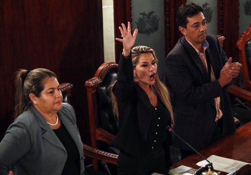 نماینده بولیوی خودش را رئیس جمهور موقت این کشور گفت