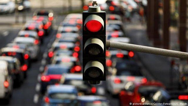 اعمال محدودیت های ترافیکی جدید در اهواز ، تردد روی پل های رودخانه کارون محدود شد