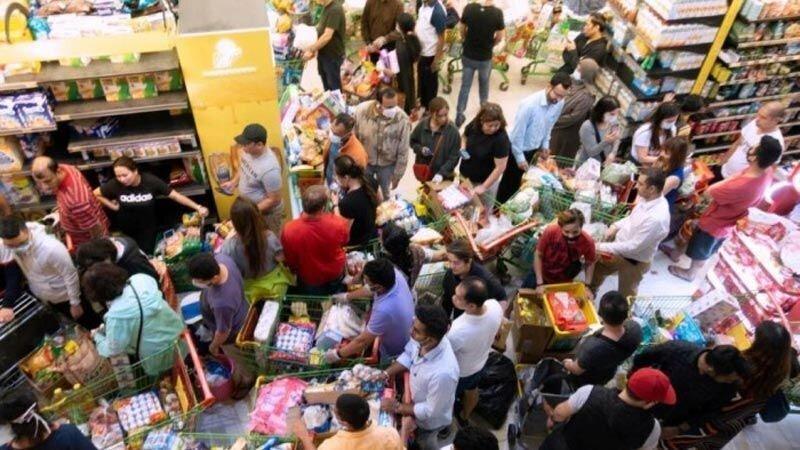 کویتی ها از بیم کرونا به مرغ داری ها هجوم بردند، خرید 4 میلیون مرغ در یک روز!