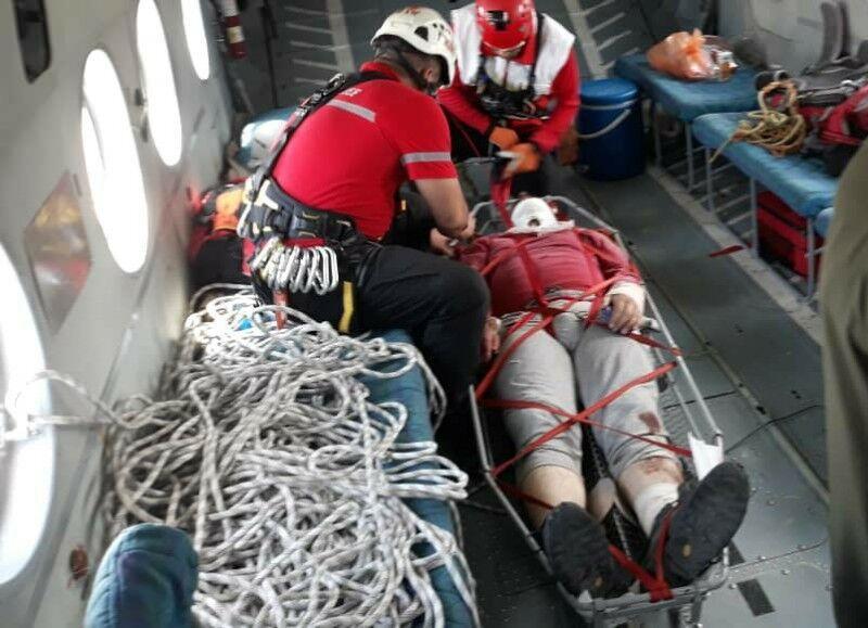 خبرنگاران بالگرد هلال احمر کوهنورد 50 ساله شمیرانی را از ارتفاعات نجات داد