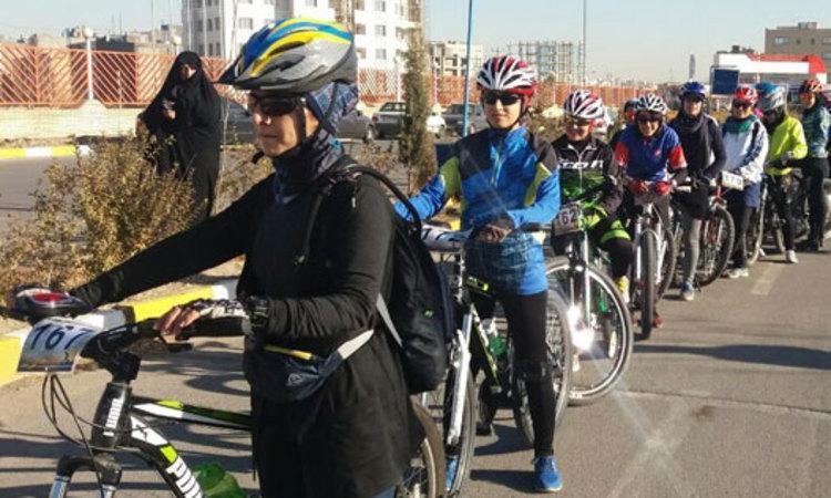 دادستان مشهد ممنوعیت دوچرخه سواری بانوان را تکذیب کرد