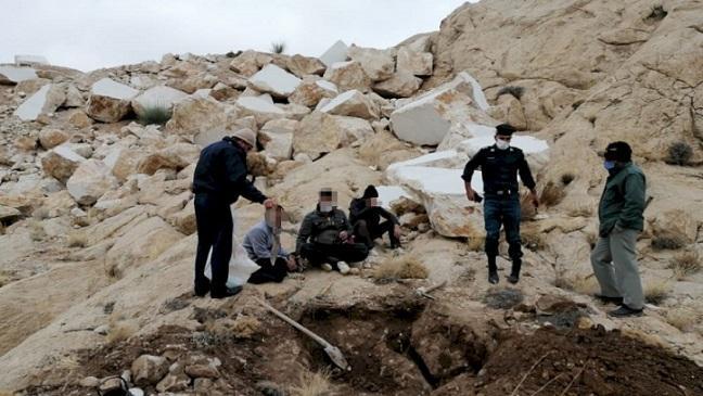 دستگیری حفاران غیرمجاز در شهرستان سرچهان استان فارس