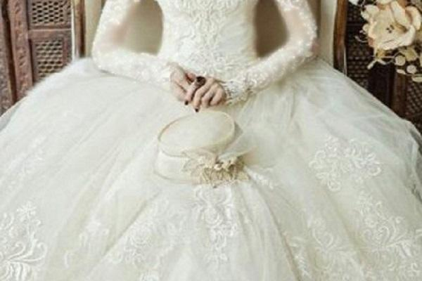 لباس عروس تسخیر شده توسط ارواح زندگی دختر جوان را سیاه کرد