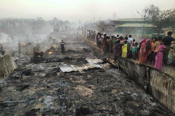 حریق گسترده در اردوگاه مسلمانان روهینگیا