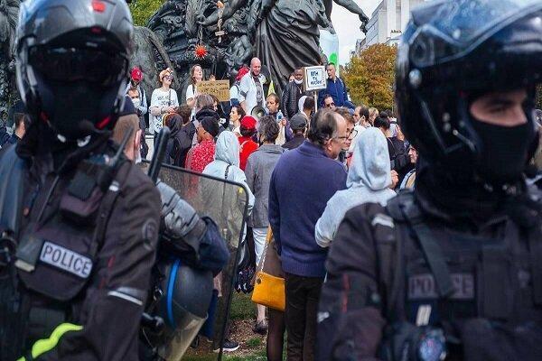 مردم لندن در اعتراض به محدودیت های کرونایی به خیابان ها آمدند