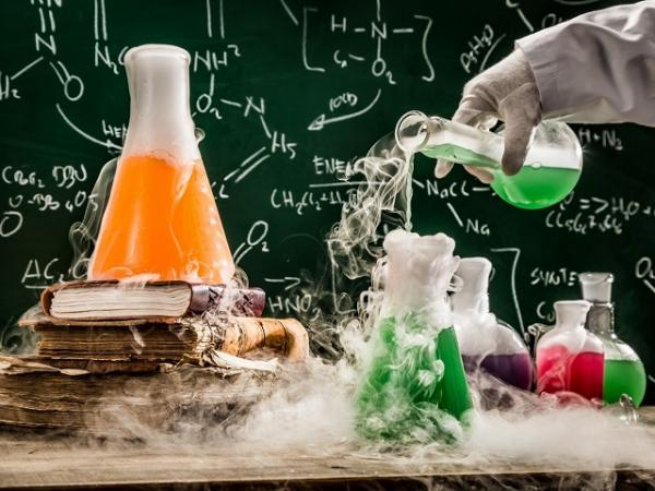 تبدیل مواد شیمیایی خطرناک به محصولات جانبی بی خطر با فناوری نانو